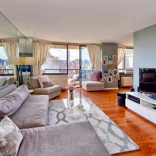 10 Bond Street - TV room - condo for sale in NYC