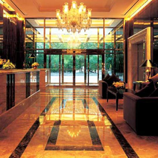 Trump International - Manhattan apartments for sale - lobby