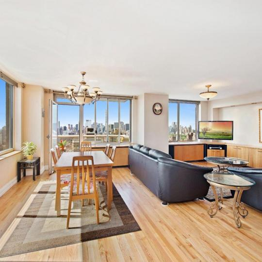 Livingroom at 200 East 89th Street in Upper East Side