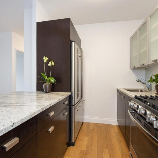212 East 47th Street Kitchen – NYC Condos for Sale