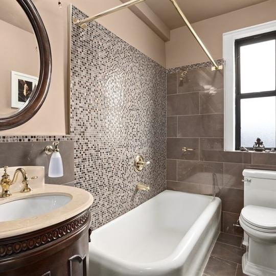 220 West 93rd Street Bathroom – NYC Condos for Sale