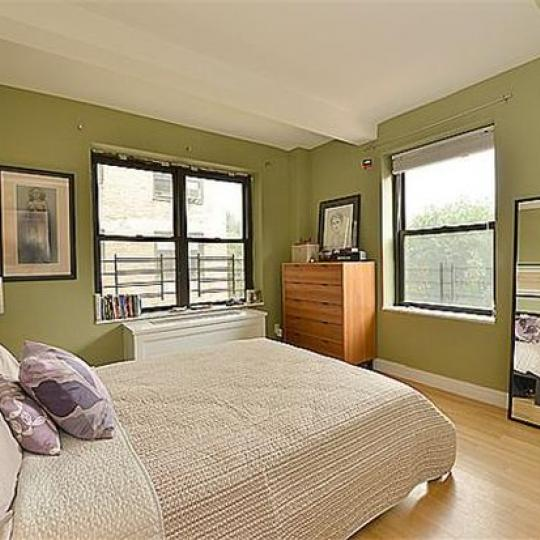 230 Riverside Drive Manhattan - Bedroom