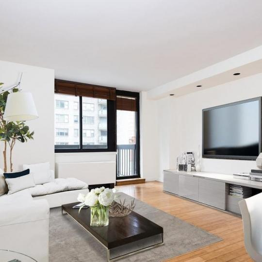 Apartments for sale at The Highpoint in Manhattan - Living Room