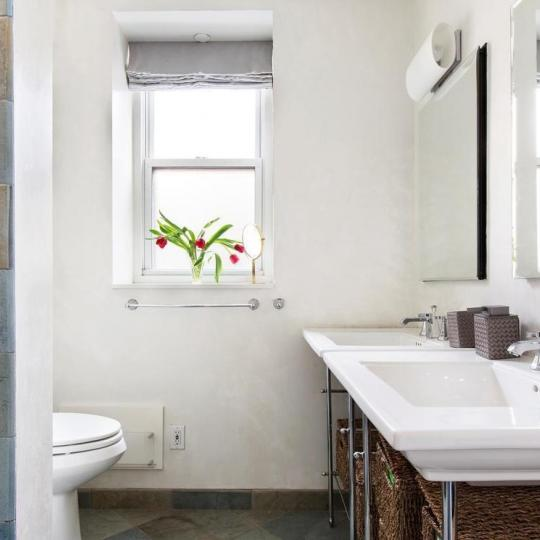 Apartments for sale at 255 West 85th Street in Manhattan - Bathroom