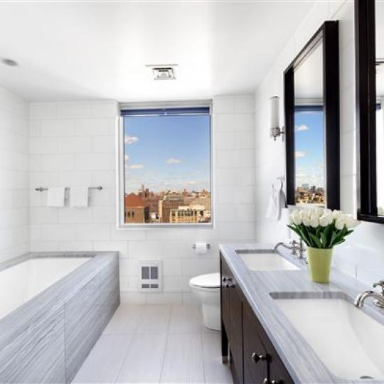 Ariel East Bathroom - Upper West Side NYC Condominiums