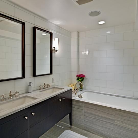 Ariel East Bathroom – Manhattan Condos for Sale