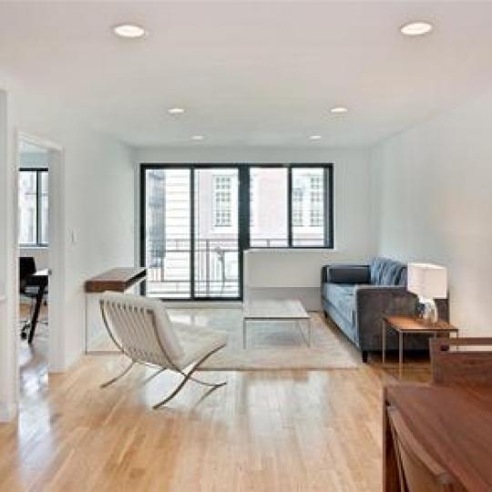 306 East 82nd Street Livingroom - Upper East Side Condos for Sale