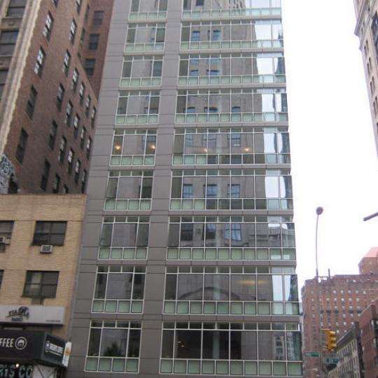Building facade - 323 Park Avenue South - Flatiron
