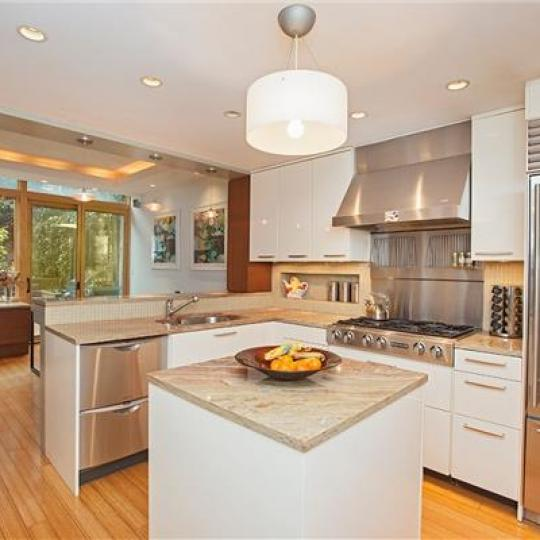 Apartments for sale at The Cheyney in Chelsea - Kitchen