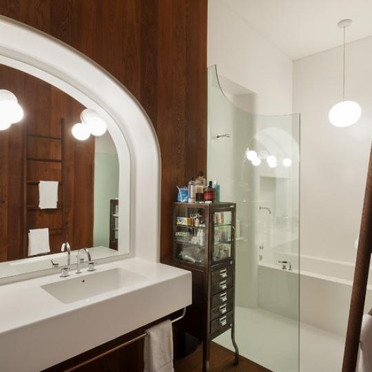 40 Bond Street Bathroom – NYC Condos for Sale