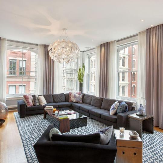 470 Broome Street - Living room
