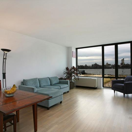 The Building - 49 North 8th Street - living room - Williamsburg