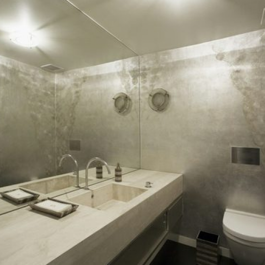 Bathroom-50 Gramercy Park North