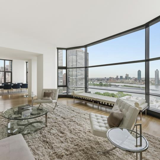 50 United Nations Plaza - living room -Condos - For Sale - Manhattan -