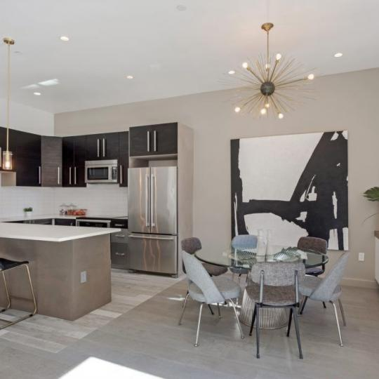 Apartments for sale at 5-12 51st Avenue in Manhattan - Dining Area