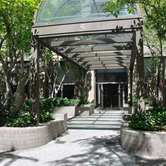 5 East 22nd Street - Entrance - Luxury NY Condos