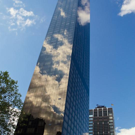 The Trump World Tower NYC Condos - Apartments for Sale in Turtle Bay