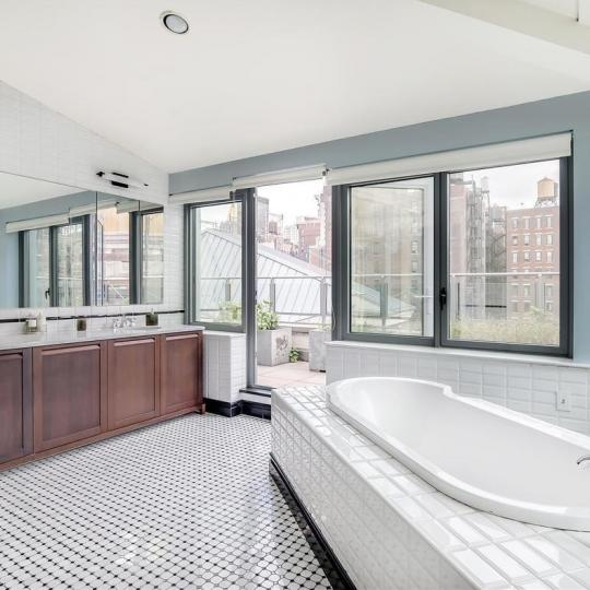 Apartments for sale at The O'Neill Building in NYC - Bathroom