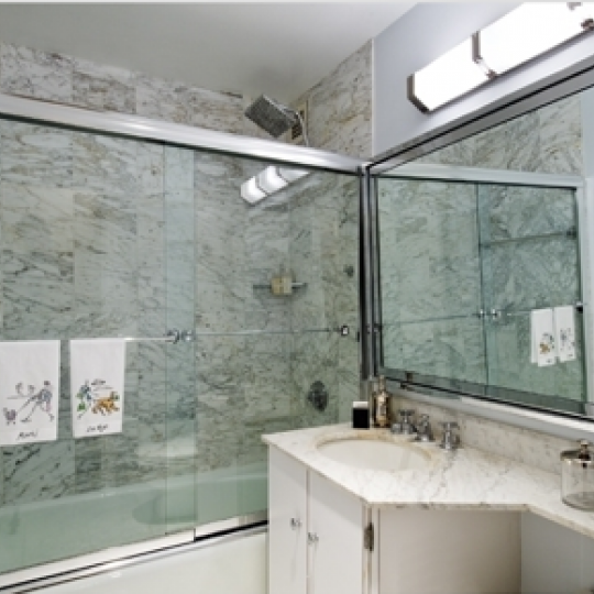 900 Park Avenue - bathroom - Apartment for Sale Manhattan