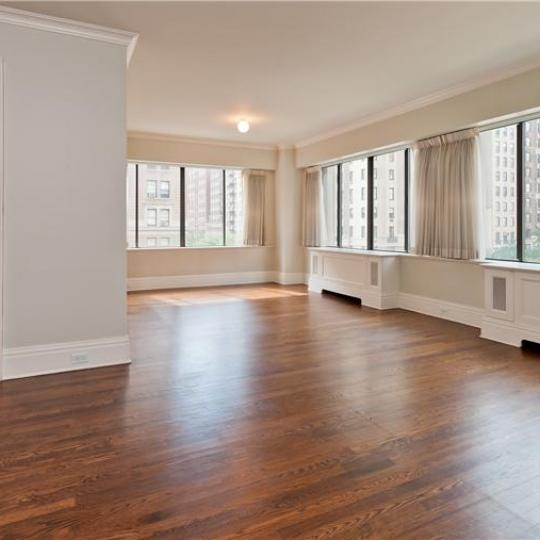 900 Park Avenue - living area - Apartment for Sale Manhattan