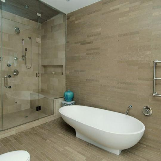 25 Bond Street Bathroom – NYC Condos for Sale