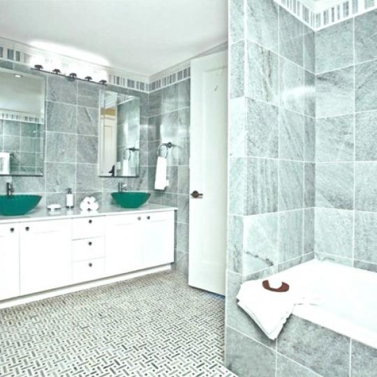 30 Lincoln Plaza Condominiums - Bathroom