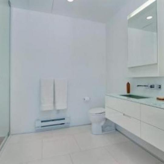 459 West 18th Street NYC Condos - Bathroom