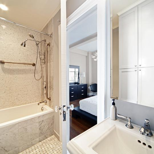 595 West End Avenue Bathroom – New Condos for Sale NYC