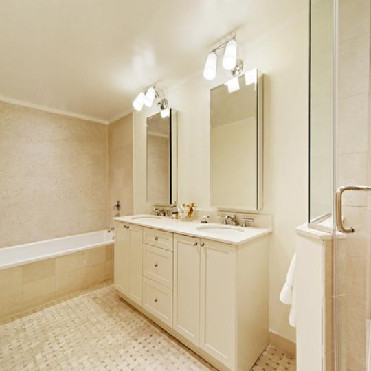 595 West End Avenue Bathroom – NYC Condos for Sale