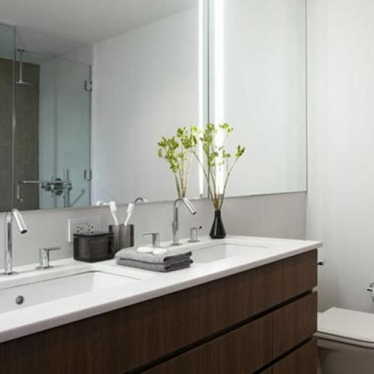 Chelsea Modern Bathroom – Manhattan Condos for Sale