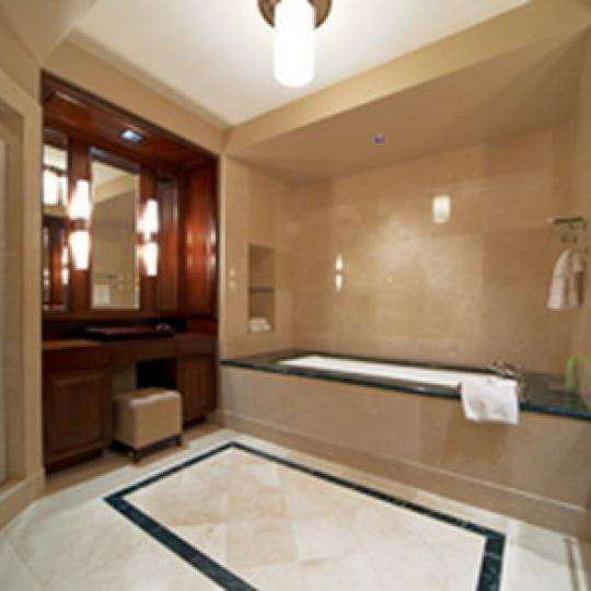 55 Wall Street Bathroom - Manhattan Condos