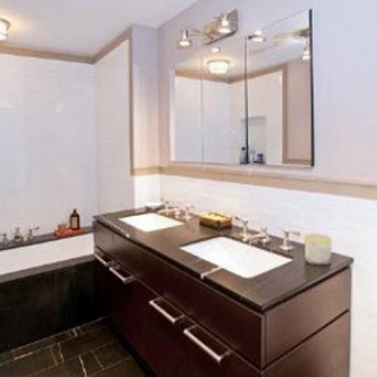 170 East 77th Street Manhattan – Bathroom at Diamond House