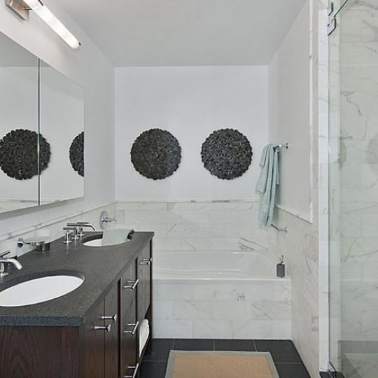 Griffin Court New Construction Building Bathroom – NYC Condos