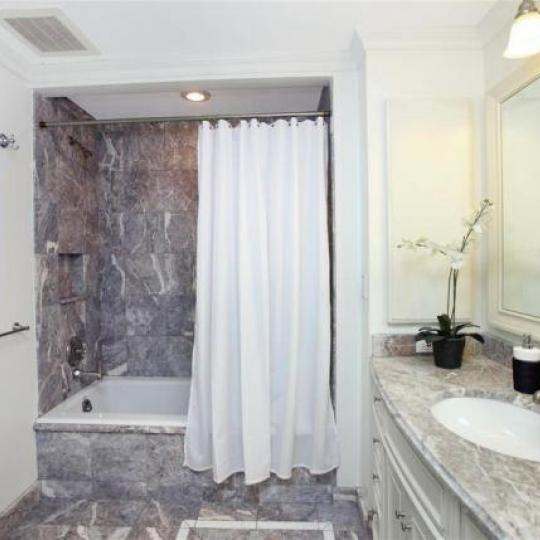 Trump Park Avenue Bathroom - Manhattan Condos for Sale