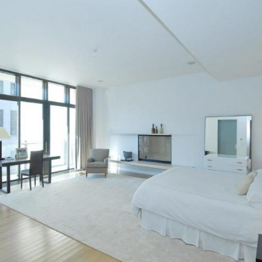 25 Bond Street Bedroom – NYC Condos for Sale