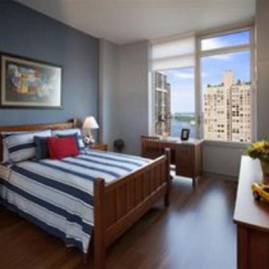333 East 91st Street Bedroom – NYC Condos for Sale