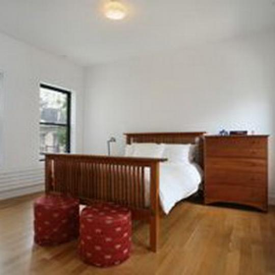 Landmark 17 Bedroom - 233 East 17th Street