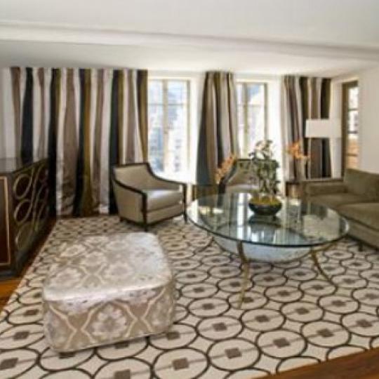 Barbizon 63 Condominiums – Living Room