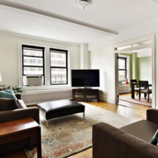 220 West 93rd Street Living Room – Manhattan Condos for Sale