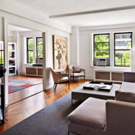 220 West 93rd Street Living Room – NYC Condos for Sale