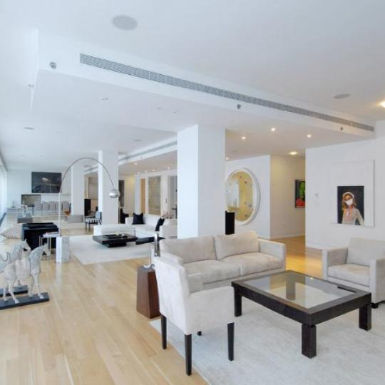 25 Bond Street Living Room – Manhattan New Condos