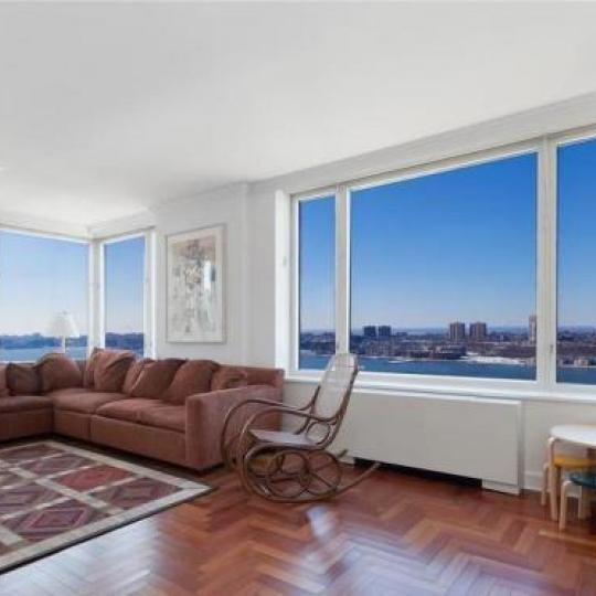 220 Riverside Boulevard Living Room - Manhattan New Condos