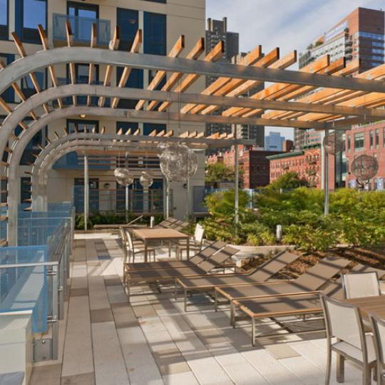 800 Tenth Avenue Sundeck – Manhattan New Condos