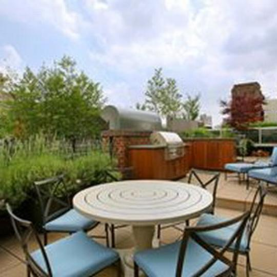 233 East 17th Street Condominium - Sundeck at Landmark 17