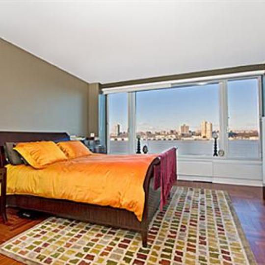 240 Riverside Boulevard Bedroom - Manhattan New Condos