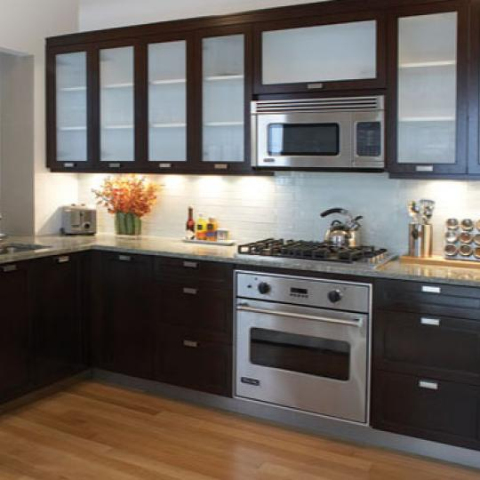The Rushmore Traditional Kitchen - Upper West Side NYC Condominiums