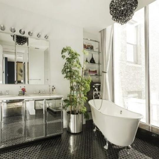 16 west 21 street- Bathroom