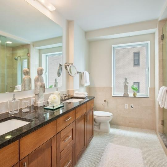 408 East 79th Street - Apartments for sale - Bathroom