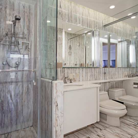 Bathroom - The Promenade at 530 East 76th Street