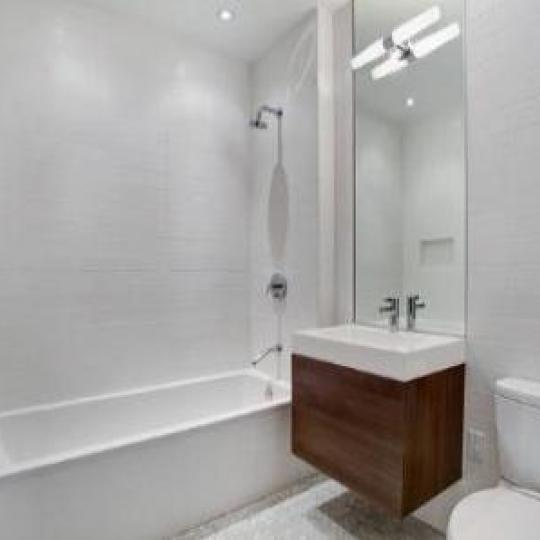 Bathroom - White - Flatiron - Madison Green NYC Condos